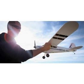 Imparare a pilotare un aeromodello radiocomandato